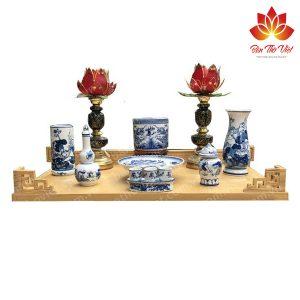 Mẫu bàn thờ treo tường bằng gỗ sồi với nhiều họa tiết độc đáo
