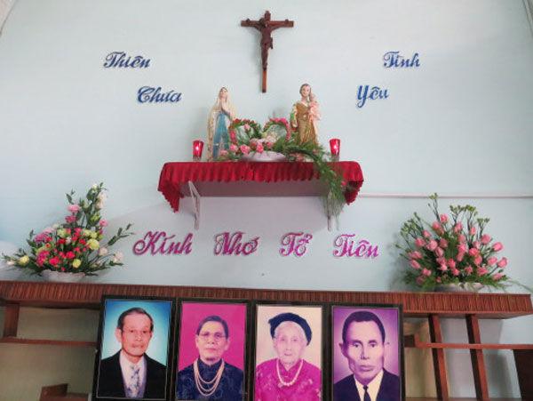 Cách trang trí bàn thờ treo công giáo đúng chuẩn theo đạo