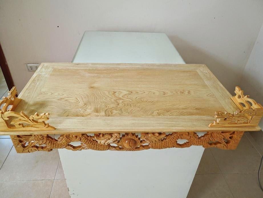 Mẫu bàn thờ treo tường đục rồng đẹp được thiết kế chuẩn phong thủy