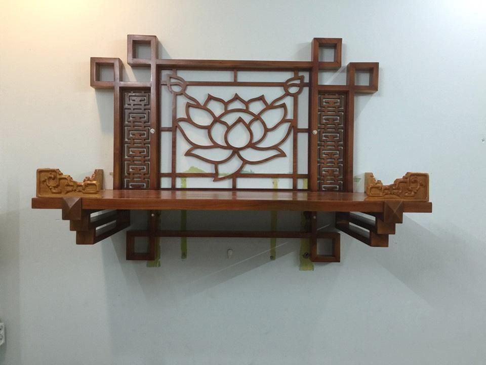 Bàn thờ treo tường trang trí hoa sen