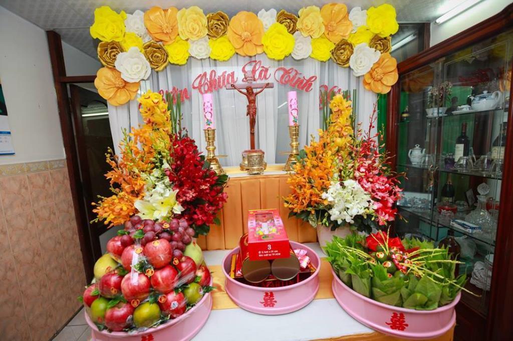 Bàn thờ Chúa trong ngày lễ cưới